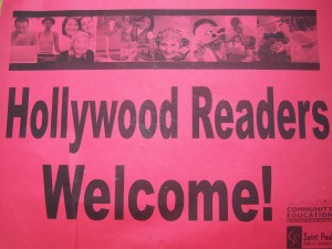 Hollywood Readers sign