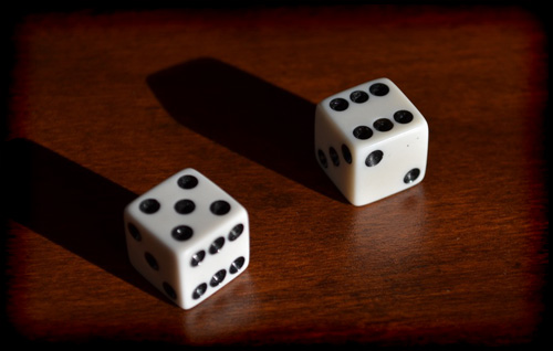 play-drinking-games-dice-11